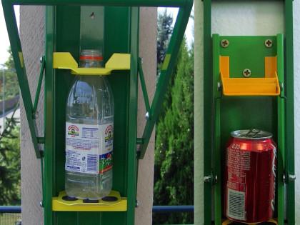 Schiaccia bottiglie / lattine <p> Compattatori