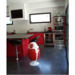 Ovetto bianco rosso in cucina